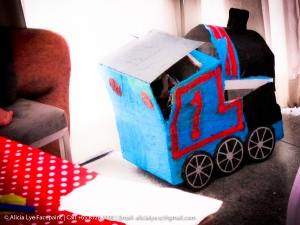 Kids party thomas the train piñata