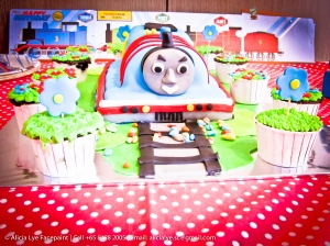 Thomas the train kids birthday cake