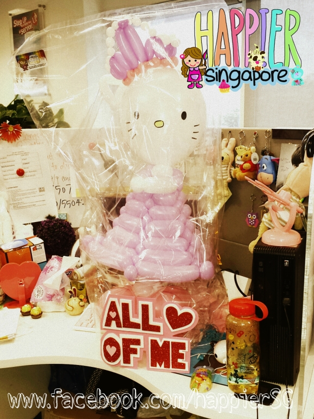 Hello Kitty Balloon Sculpture Gift_Happier Singapore