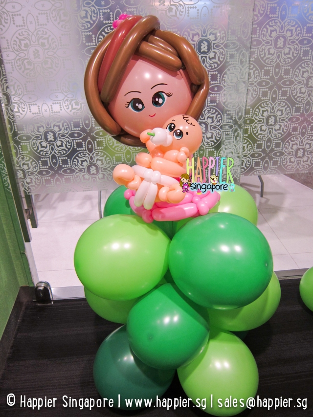 Mother and baby balloon sculpture_happier singapore