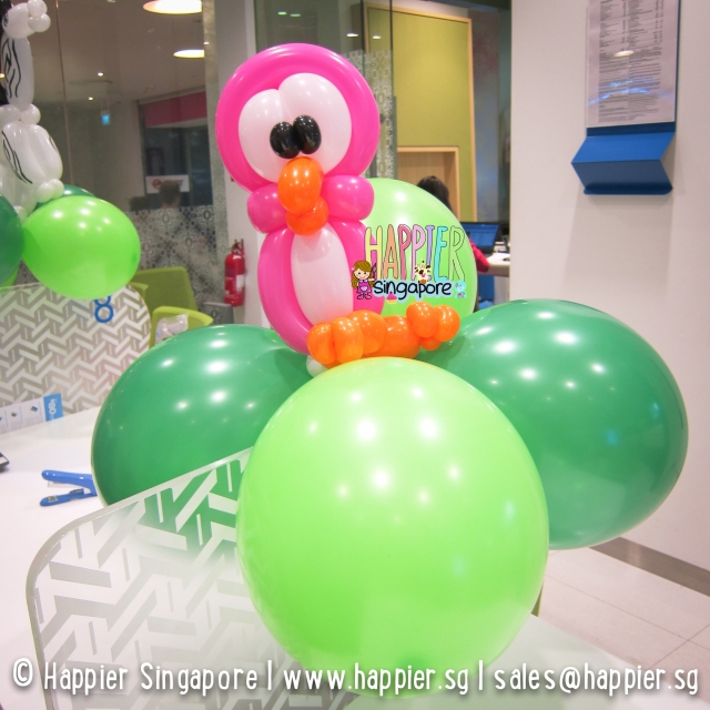 Pink bird balloon sculpture_happier singapore