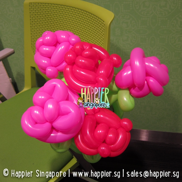 Rose balloon sculpture_happier singapore