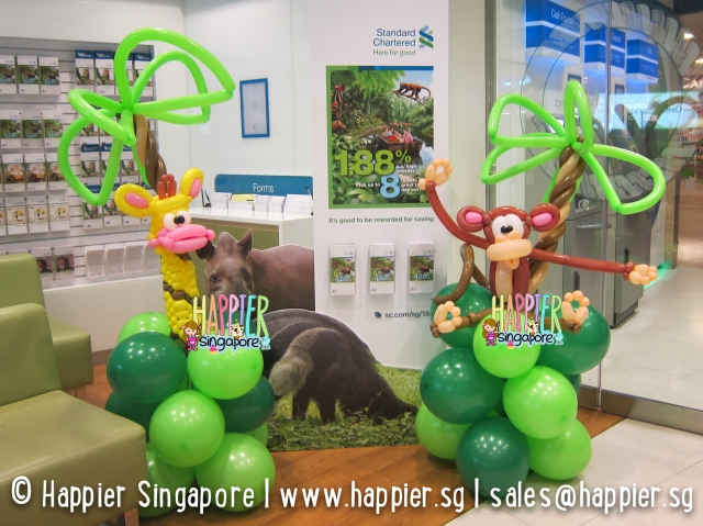 Safari giraffe & monkey balloon sculpture_happier singapore