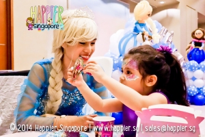 Frozen Inspired Elsa Mascot Happier Singapore 2