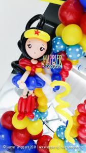 Wonder Woman Balloon Column