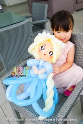 Princess Elsa balloon sculpting happier singapore