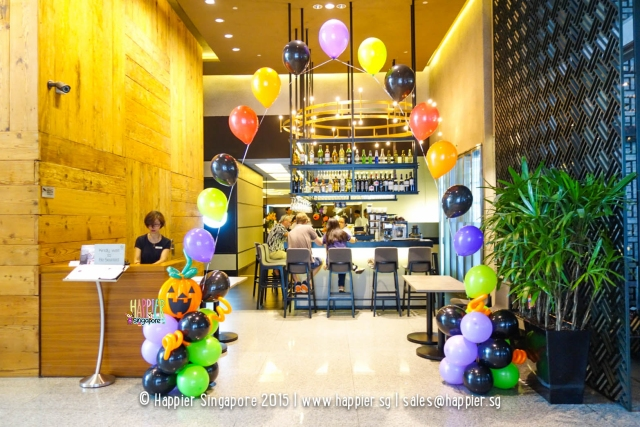 halloween-balloon-arch-pearl-line-pumpkin-singapore