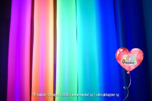 Glow-in-the-Dark-UV-Balloon-Sculpting-Twisting-Singapore
