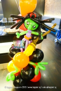 witch-balloon-sculpture-singapore